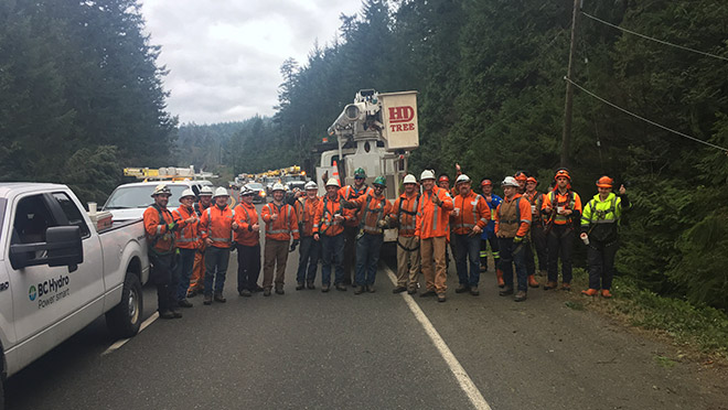 Image of BC Hydro and contractor crews