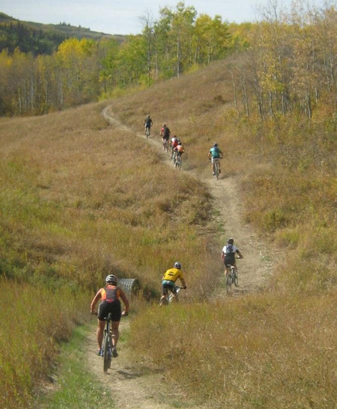 Image of Tyson Kaempffer join local bike club on trails