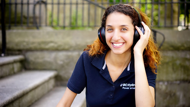 Image of Leen AlOmari wearing headphones