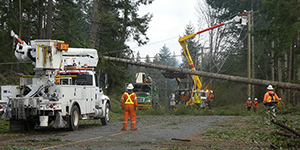 crews restoring power in Nanaimo