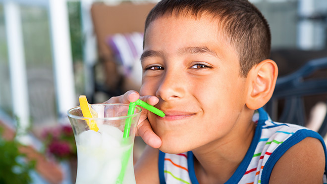 Image of boy drinking lemonde