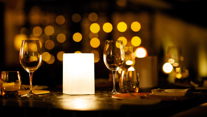 How to make a christmas decoration at home - Candlelight Dinner Raises Awareness Of Energy Conservation
