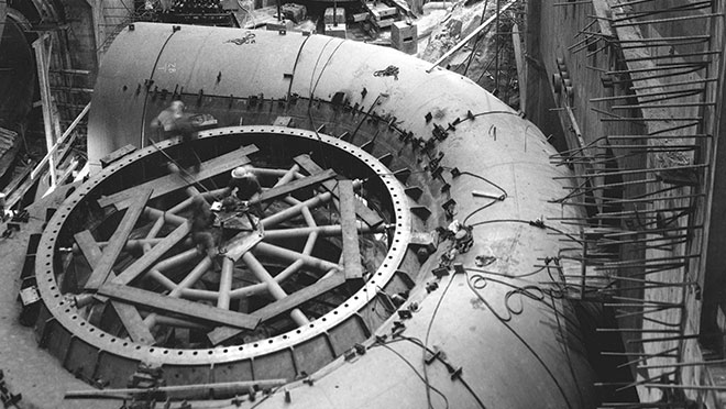 Image of a scroll case drying construction of the WAC Bennett Dam