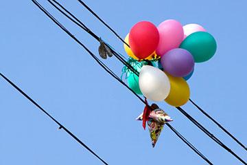 Don't let those balloons & kites get away