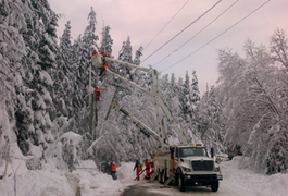Crews face almost two metres of snow in Kitimat